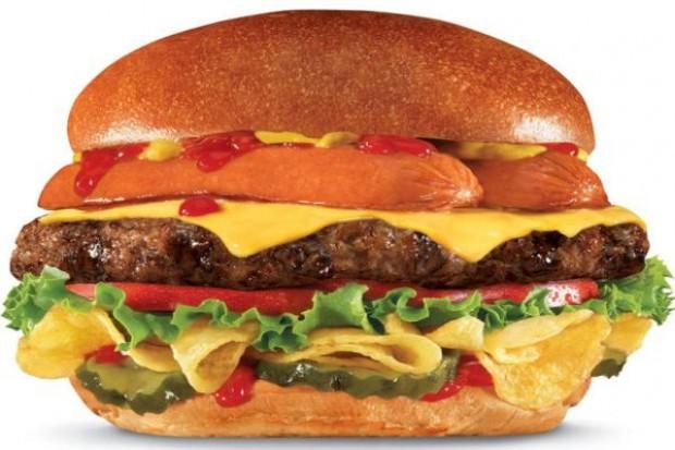 Burger o wartości energetycznej 1080 kalorii