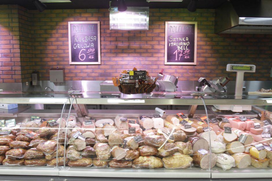 Deflacja w czerwcu na poziomie 0,8 proc., żywność droższa niż w maju