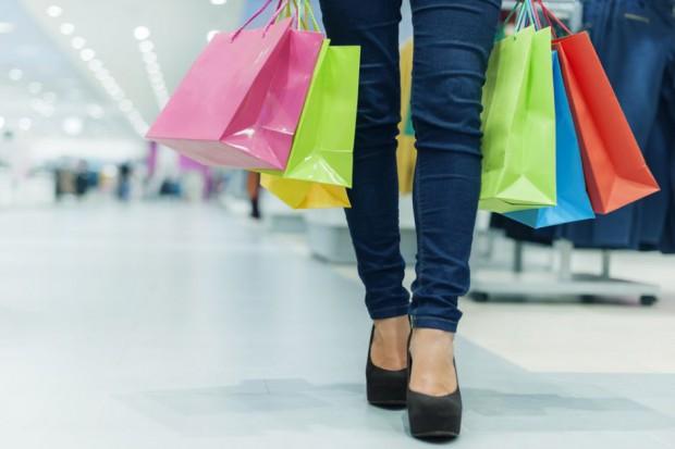 Miesięcznie e-konsument wydaje 75 zł na odzież, dodatki i akcesoria