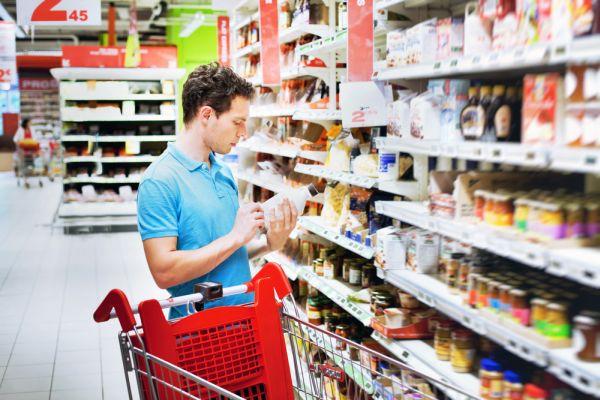 Koszyk cen: Supermarkety uzależniają ceny i asortyment od lokalizacji