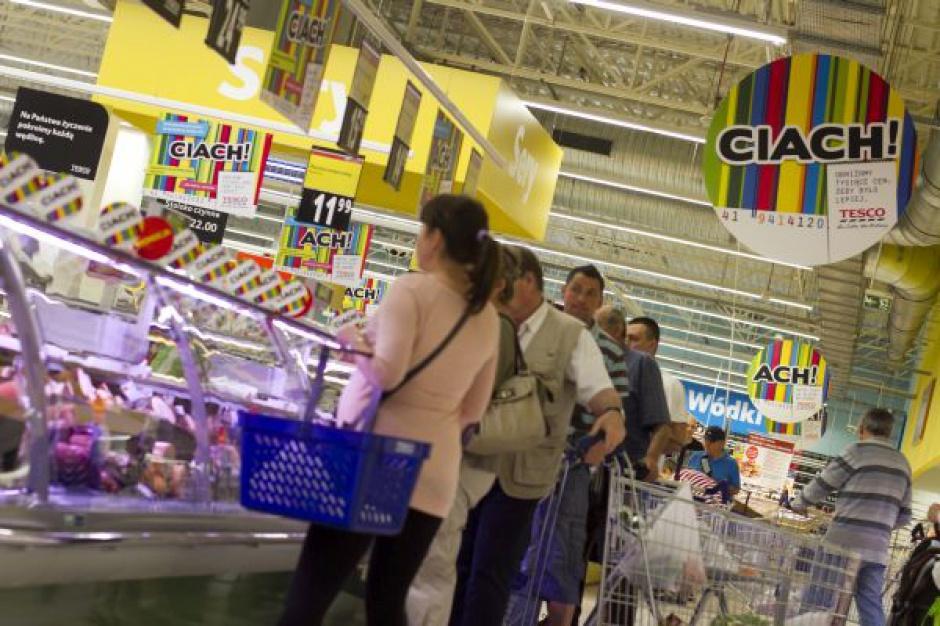 Tesco zwalnia pracowników, bo przygotowuje się do zamknięcia sklepów w Polsce?