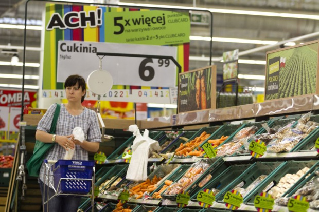 Polskie sklepy przyniosły Tesco 5,5 mld zł przychodów. Sieć pozbyła się 7 placówek