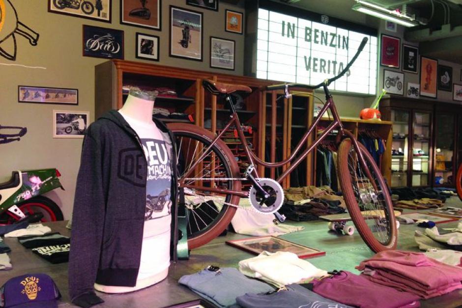 Case study: Eksperymentalne połączenie sprzedaży motocykli, ubrań i kawy
