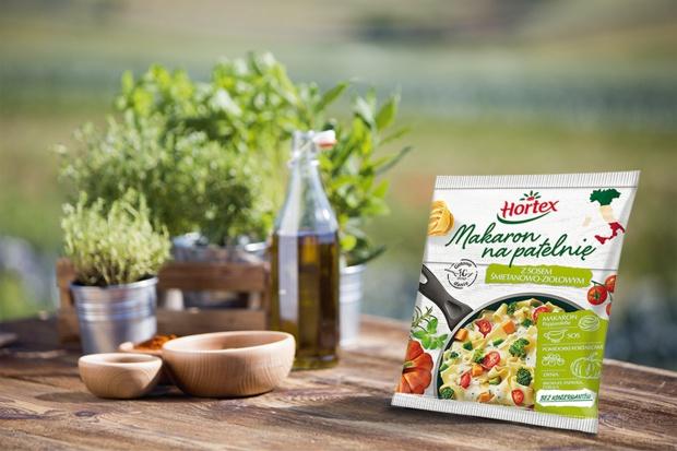Makaron na patelnię z sosem śmietanowo – ziołowym Hortex