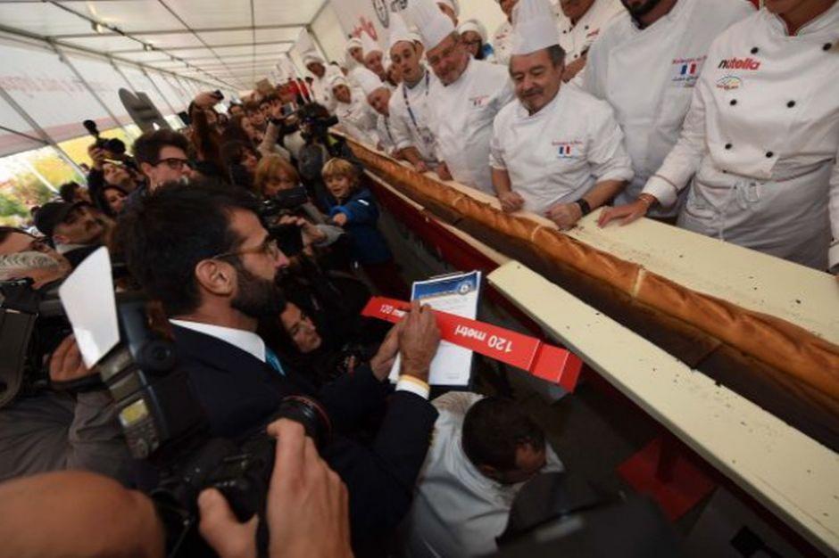 Pobito rekord Guinnessa długości wypieczonej bagietki
