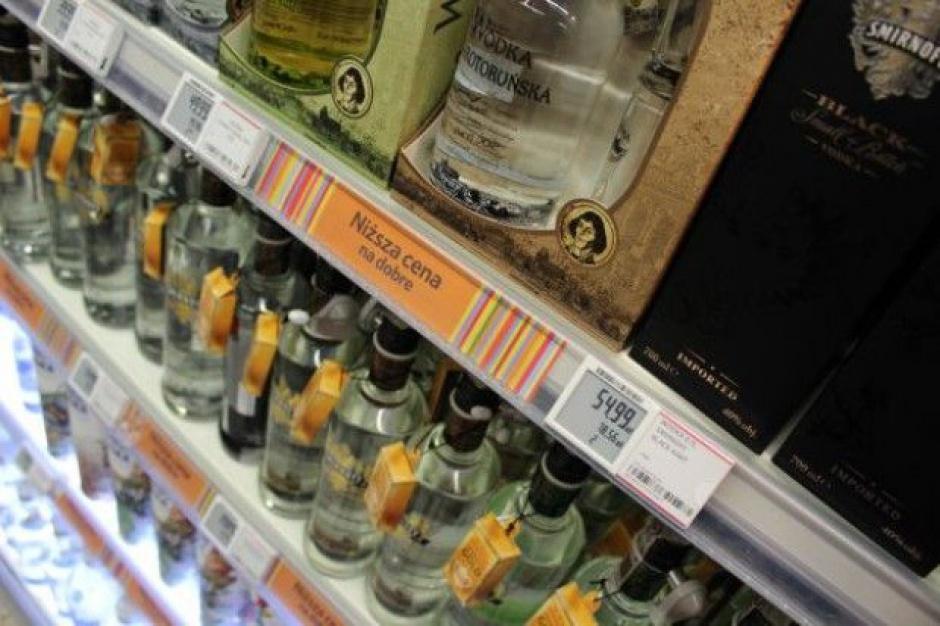 Top Market: przez nowe zasady sprzedaży alkoholu 40 sklepów zamknie działalność