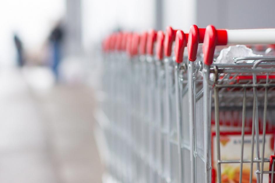 Rok 2015 w handlu wielkopowierzchniowym: Podatek od hipermarketów, nowe partnerstwa i strategie biznesowe