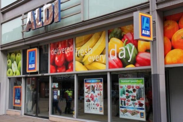 Dyskonty w 2015 roku otworzyły 2 razy mniej sklepów niż rok wcześniej