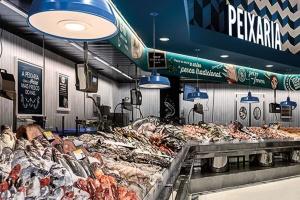 Pingo Doce otwiera sklep według nowego konceptu. W środku restauracja i piwniczka z winami (galeria foto)