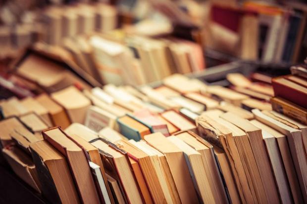 Włochy: Wypożyczalnia książek u...rzeźnika