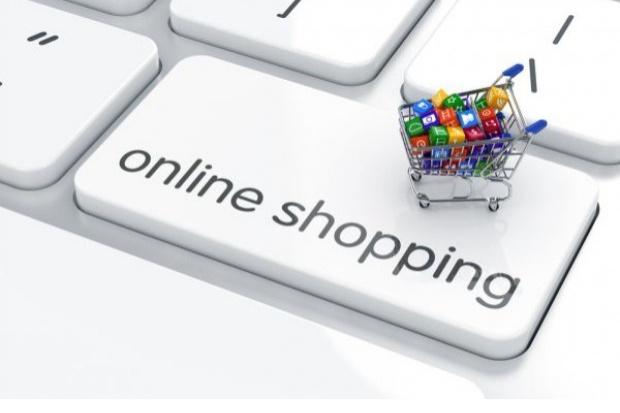 49 proc. kobiet nigdy nie kupowało jedzenia w e-sklepie