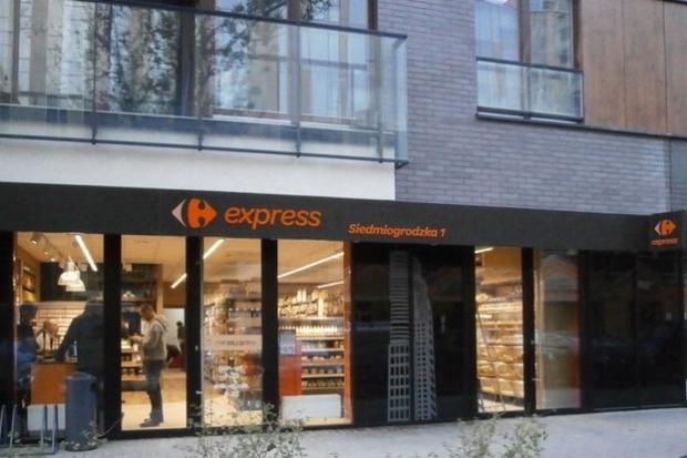 W 2015 roku Carrefourowi przybyło 111 sklepów, w tym 108 convenience