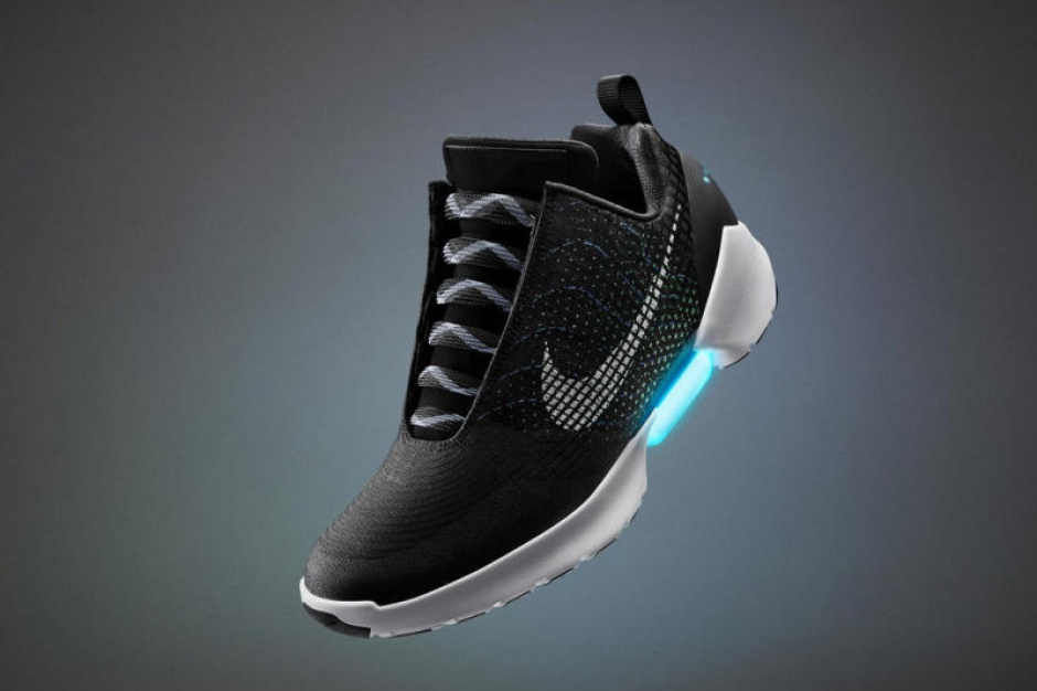 Nike wprowadzi do sprzedaży samowiążące się buty