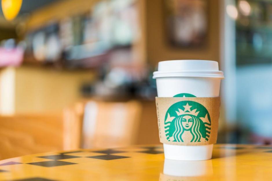 Starbucks pozwany przez klientów, bo bariści specjalnie nalewają za mało kawy