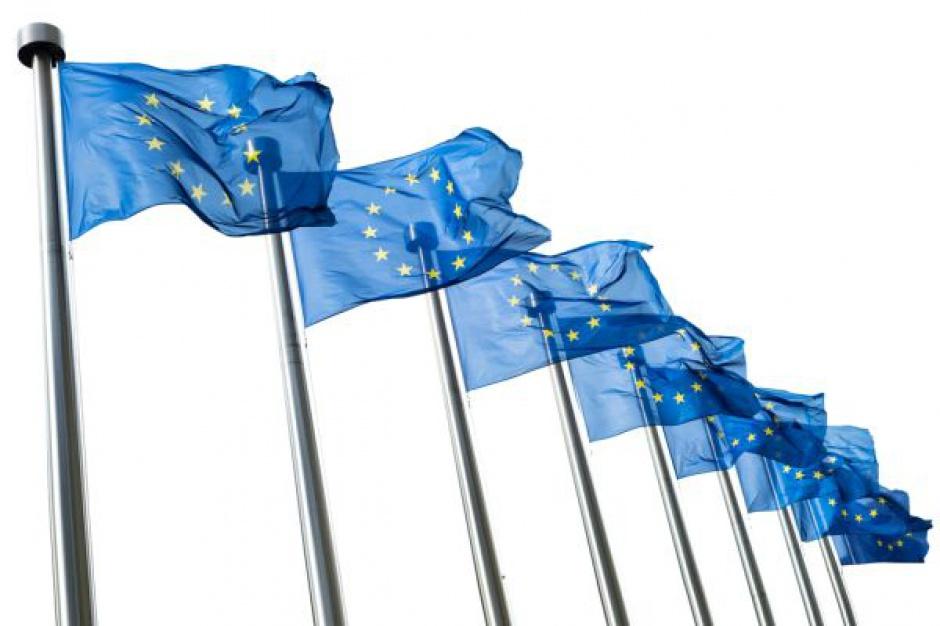 KE nie podoba się podatek od handlu bo promuje mniejsze, polskie firmy