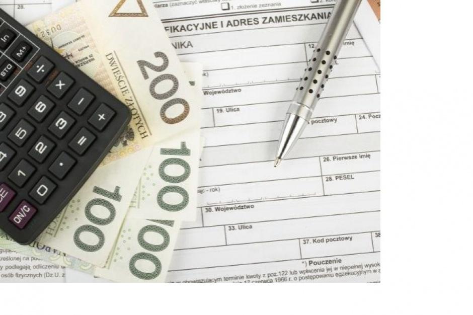 Raport: Sprzedawcy średnio zarabiają ok. 2 tys. zł