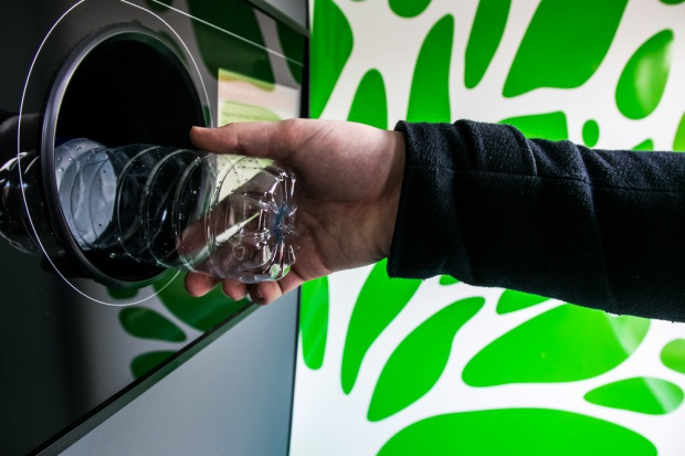Przed supermarketami pojawią się mobilne stacje recyklingowe