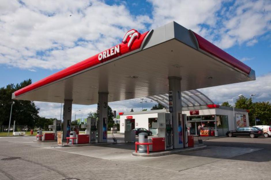 W 2015 r. pojedyńczy  sklep na stacji paliw zanotował 1,3 proc. wzrostu obrotu