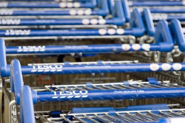 Tesco w Polsce zwalnia kierowników hipermarketów
