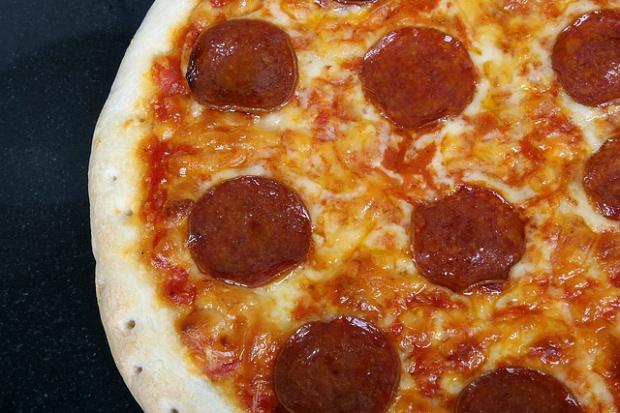 Wierny klient Domino's uratowany przez dostawcę pizzy