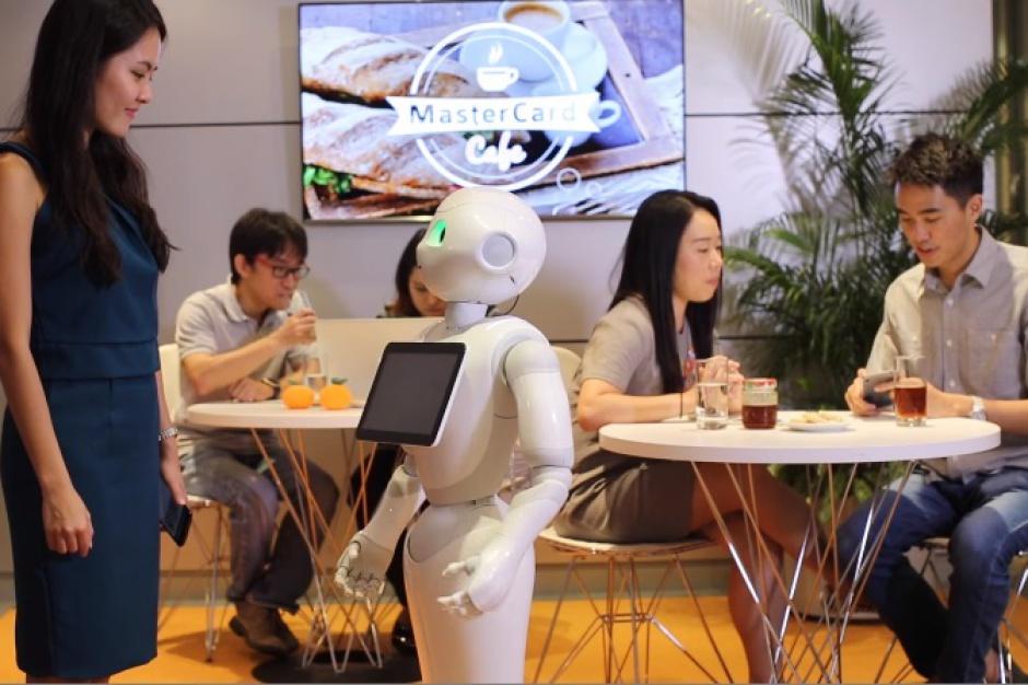 Roboty w restauracjach Pizza Hut