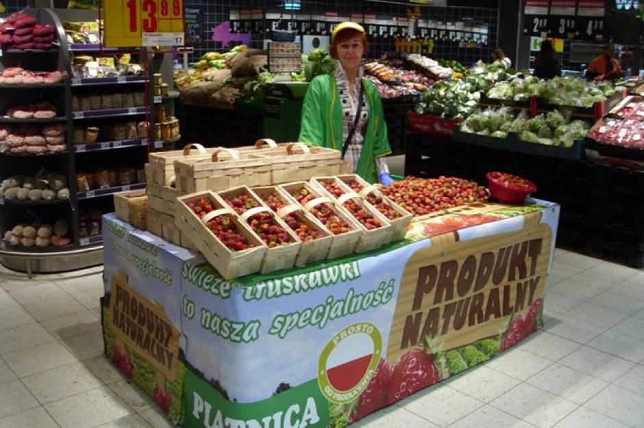 Carrefour udostępnia swoje sklepy lokalnym rolnikom