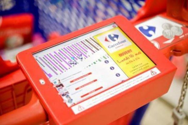 Carrefour testuje inteligentne wózki sklepowe