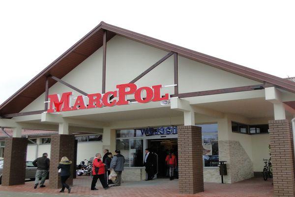 Dział kadr MarcPolu przygotowuje dokumenty w sprawie wypłat z FGŚP