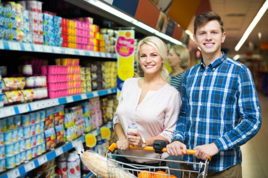 Raport: Na koniec 2015 r. działało w Polsce nieco ponad 100 tys. sklepów spożywczych