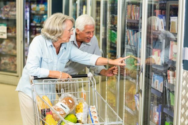 Seniorzy wydają rocznie w sklepach 48,2 mld zł, najwięcej w dyskontach