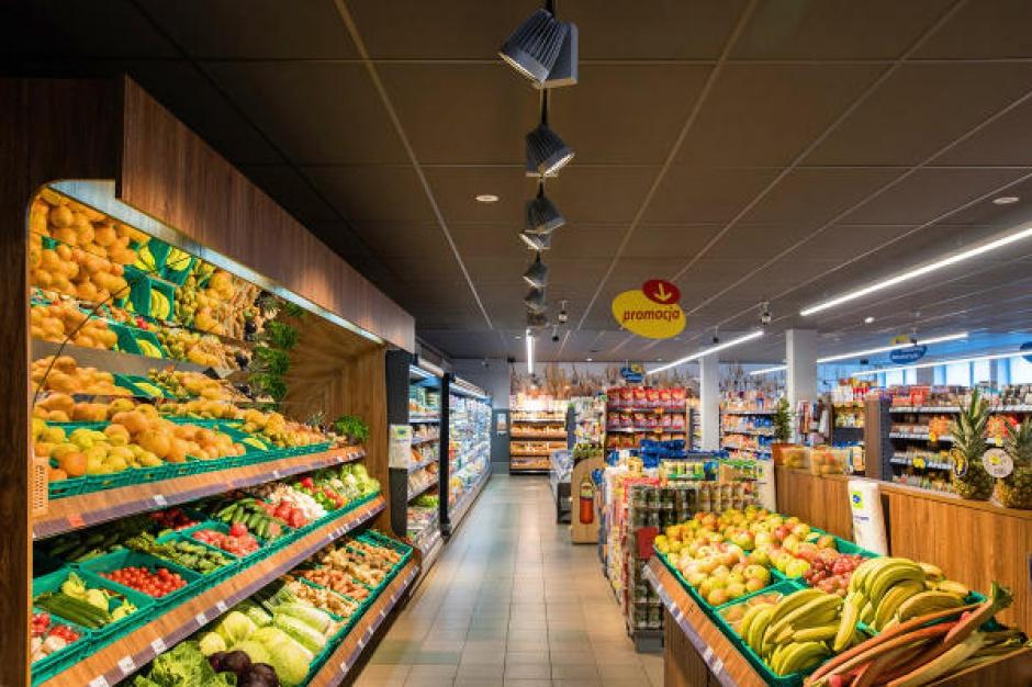 Lewiatan w Nysie zainwestował w nowe oświetlenie (opis realizacji i zdjęcia)