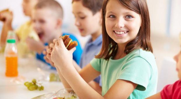 Pieczywo wyprodukowane z ciasta głęboko mrożonego zakazane w sklepikach szkolnych
