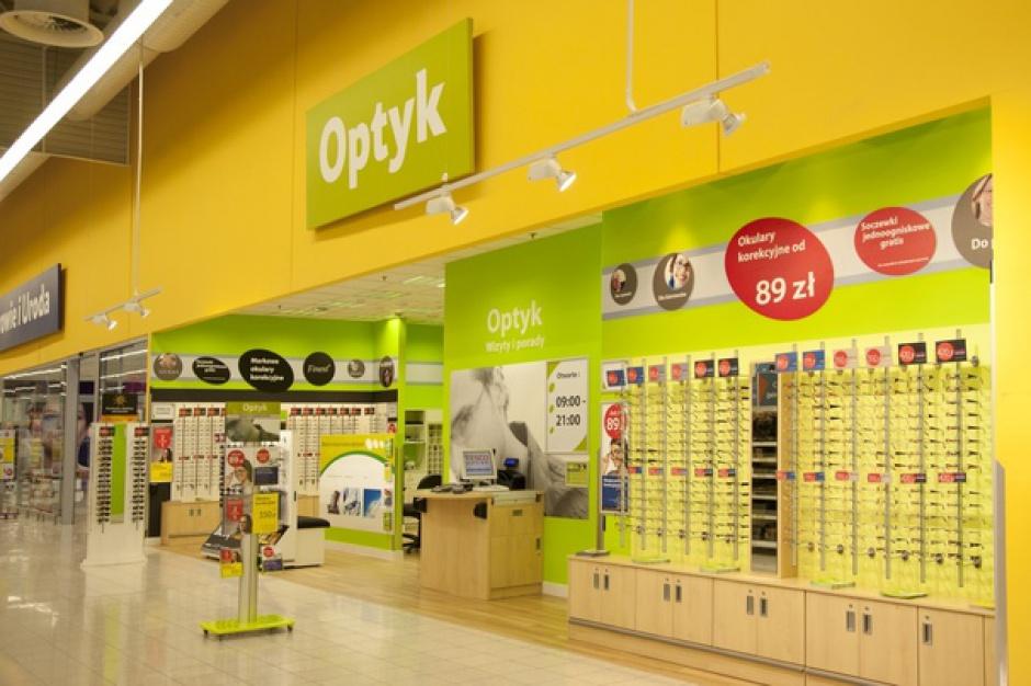 Specjalistyczna firma przejmuje 14 stoisk optycznych Tesco