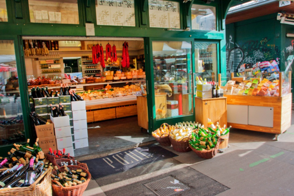 W Polsce jest prawie 361 tys. sklepów, na jedną placówkę przypada 107 osób