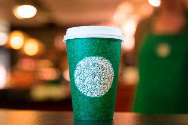 Kubek Starbucksa podzielił Amerykanów