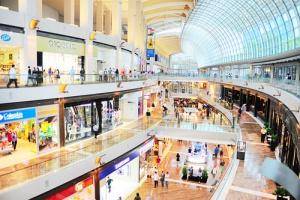 Konkurencja centrów handlowych rośnie szybciej niż zamożność klientów