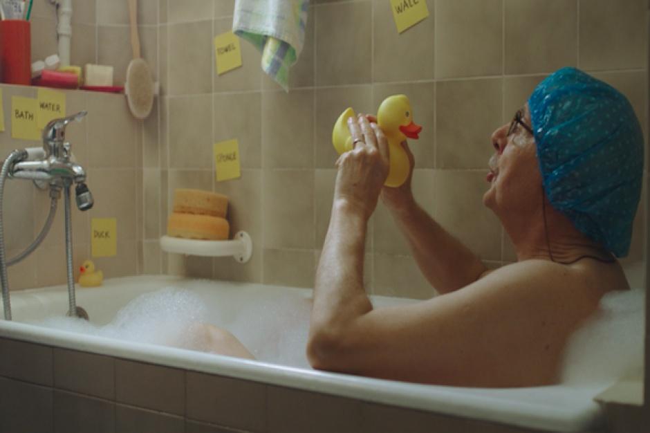 Świąteczna reklama Allegro z dziadkiem, który uczy się angielskiego