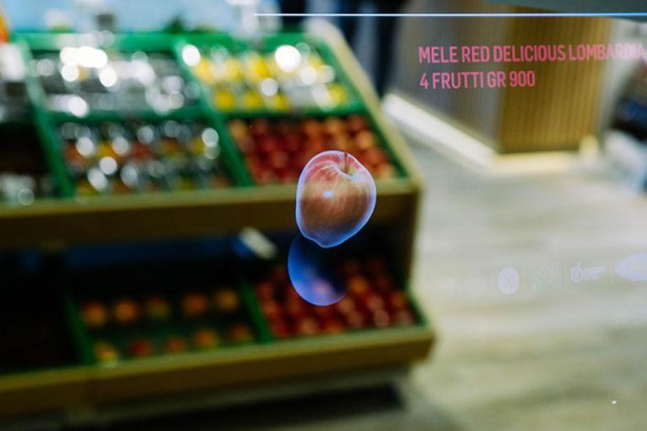 """Coop Italia stawia na cyfrowe rozwiązania w """"sklepie przyszłości"""" w Mediolanie (video)"""