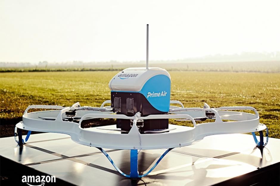 Amazon testuje dostawy przesyłek za pomocą dronów (video)