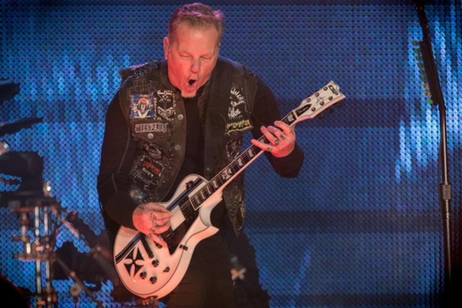 Metallica wykonuje Enter Sandman w... supermarkecie (video)