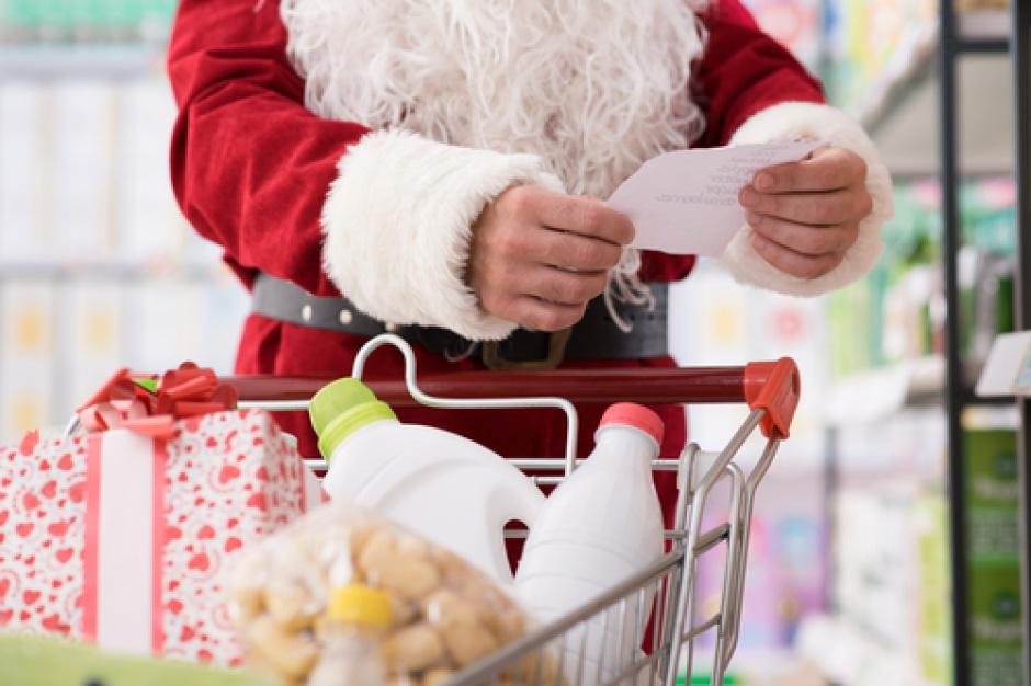 Koszyk cen: Świąteczna oferta supermarketów na poziomie 260-275 zł