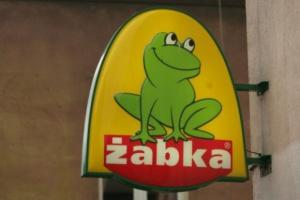 Z wyścigu o Żabkę zrezygnował jeden fundusz