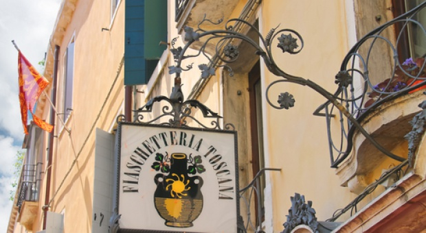 Włoskie sklepy zapłacą podatek od...cienia?