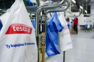 E-sklep Tesco wprowadza opłaty za reklamówki