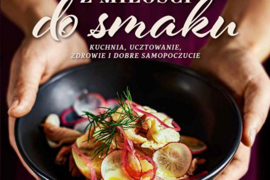 """Carrefour wydał książkę """"Z miłości do smaku"""". Będzie dostępna w sklepach sieci"""