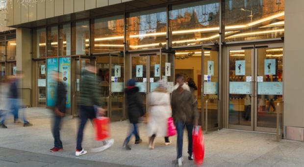 Poradnik: Jak dobrze zaaranżować powierzchnię sprzedażową w sklepie