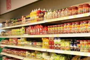 Na sosy i dressingi Polacy wydali 1,3 mld zł. Rośnie sprzedaż hummusu