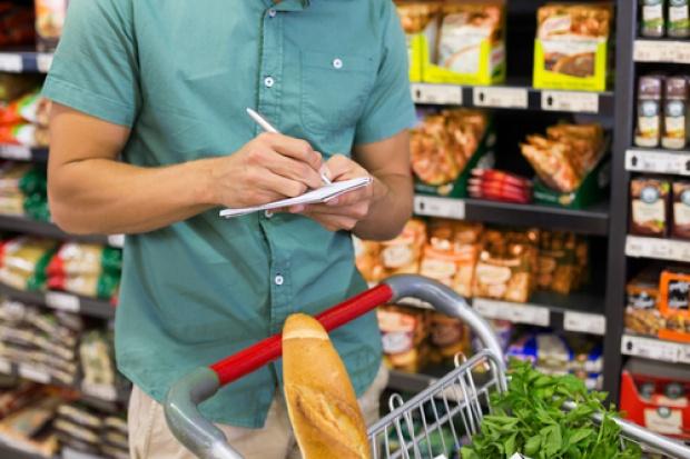 Koszyk cen: Sklepy osiedlowe z wysokimi cenami warzyw i owoców