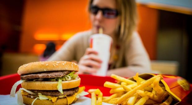 We Francji hamburgera z McDonald's zjemy nożem i widelcem
