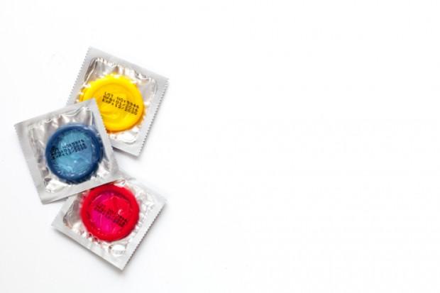 Wzrośnie VAT na smoczki dla dzieci i .... prezerwatywy